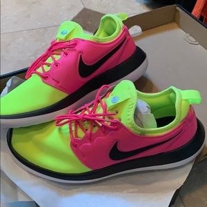 Nike-ID Shoes NEW